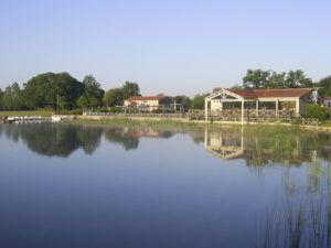 le lac de la tricherie à Mesnard-la-Barotière