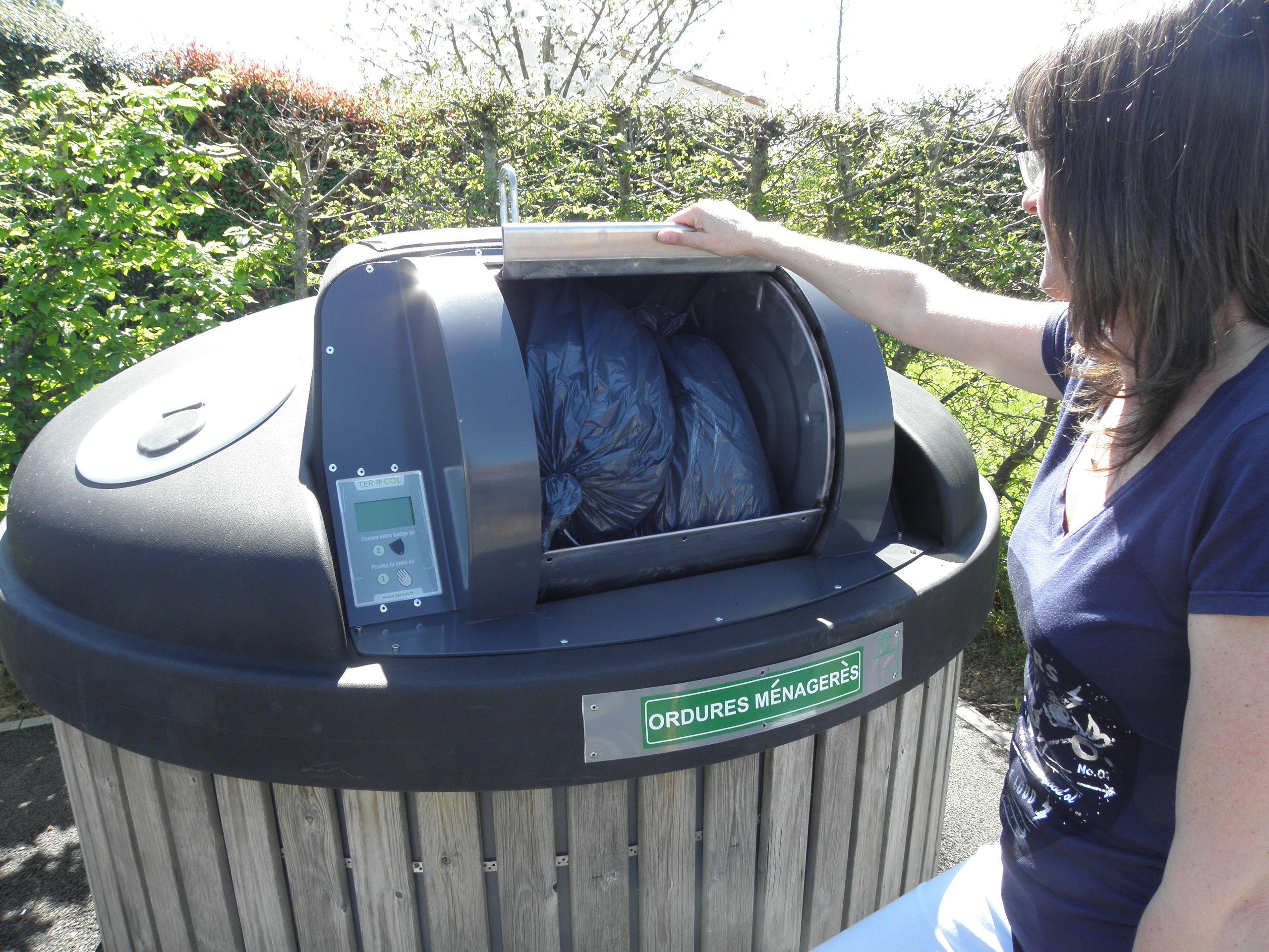 Poubelles Noires De Jardin trier nos déchets