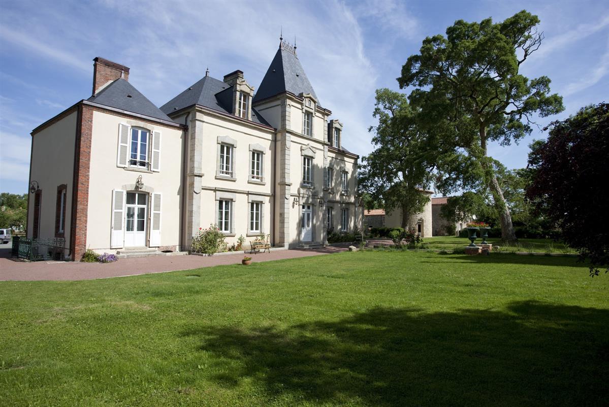chateau Richerie Beaurepaire